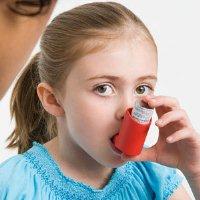 Риск развития аллергии у ребенка выше, если родитель того же пола также страдает аллергией