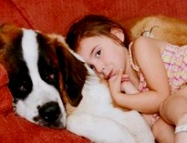 Собаки не только верные друзья, но и заботливые помощники