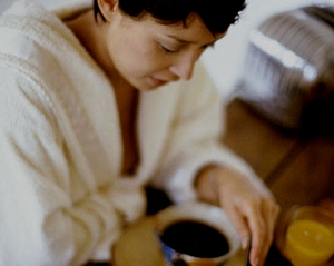Утренние привычки, которые могут испортить весь день