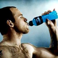 Утверждение, что спортивные напитки повышают энергию, – миф