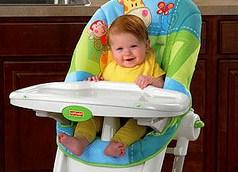 Безопасность ребенка на высоком стуле