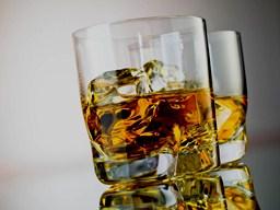 Покраснение лица после приема алкоголя может указывать на риск развития высокого артериального давления