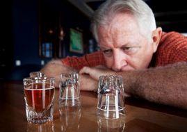 Чрезмерное потребление алкоголя ускоряет прогрессирование атеросклероза и повышает риск инсульта