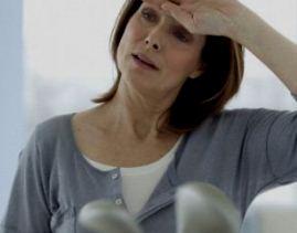 Почему менопауза вызывает такие ужасные симптомы?