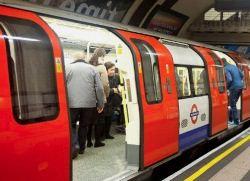Путешествие в метро может быть вредно для вашего здоровья, так как в воздухе много токсичной пыли