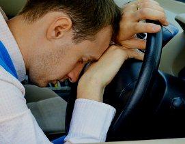 Вождение с похмелья может быть столь же опасным, как и вождение в состоянии опьянения