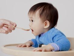 Время знакомства младенцев с твердой пищей связано с развитием диабета 1 типа
