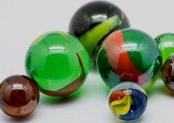 Крошечные стеклянные шарики  помогут предотвратить кариес и снизить чувствительность зубов