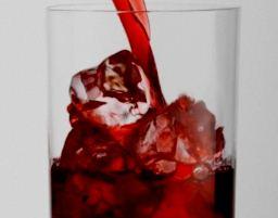 Клюквенный сок действительно предотвращает развитие инфекций мочевого пузыря