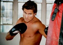Тренировки уменьшают риск развития сердечных заболеваний у мужчин даже при сидячем образе жизни
